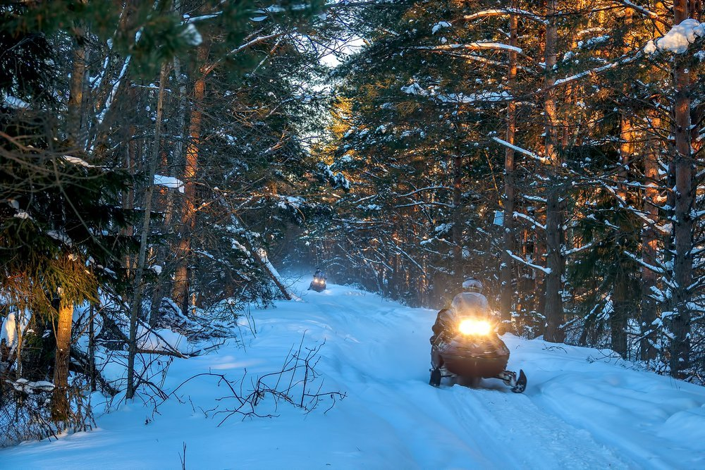 what clothing to wear snowmobiling